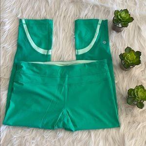 Lululemon NWOT bright green Capri length leggings